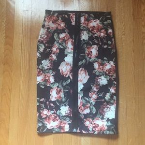 Floral zip-up bodycon skirt
